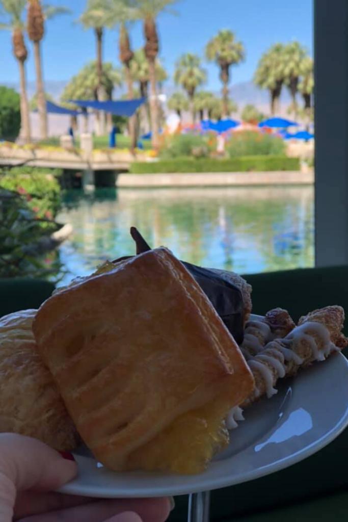 breakfast at marriott desert springs